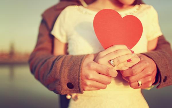 Dieci modi di pregare per tua moglie