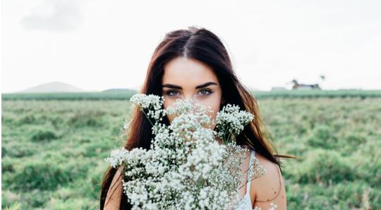 La bellezza di essere donna la sua unicità la rende essenziale