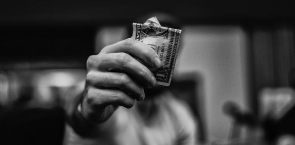 7 Principi biblici per risparmiare e investire il proprio denaro