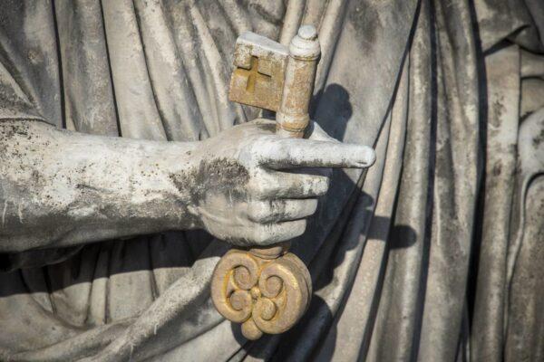Due visioni dell'autorità nella chiesa: Protestante e Cattolico-Romana