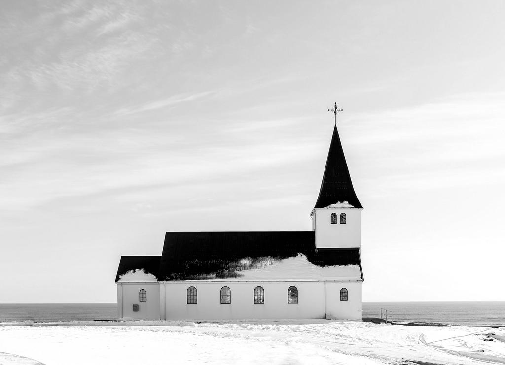 """Come """"l'appartenenza prima di credere"""" ridefinisce la chiesa"""