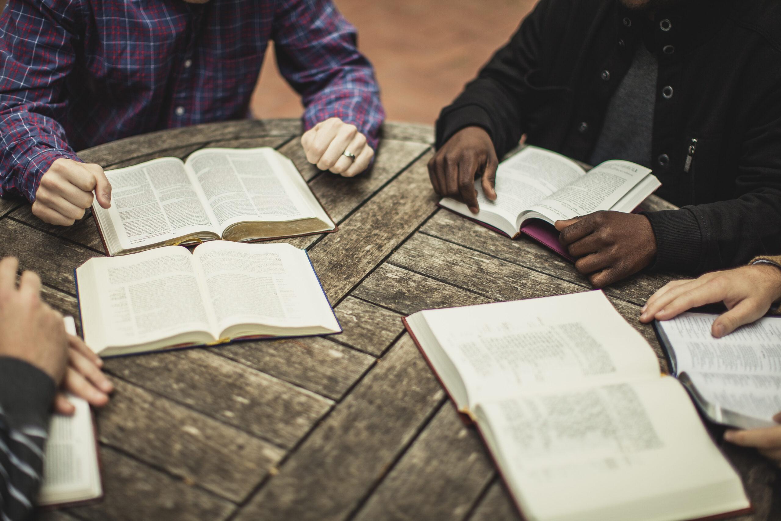 Perché la teologia biblica è essenziale per il discepolato e la crescita di un cristiano?
