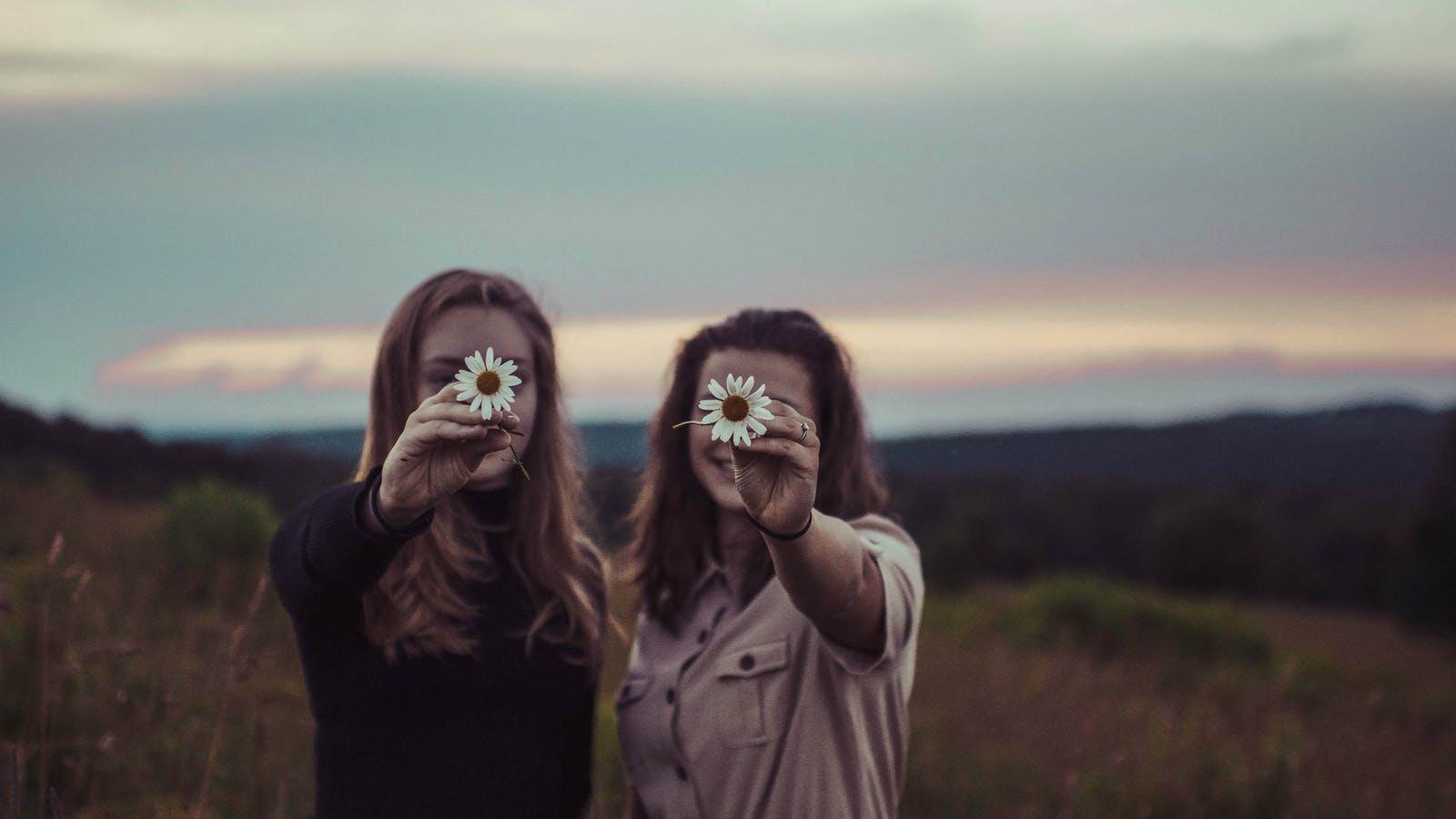 Pregare nelle relazioni di discepolato tra le sorelle
