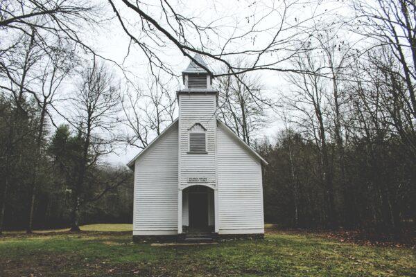 Passare da una chiesa guidata da un diacono a una chiesa guidata da un anziano