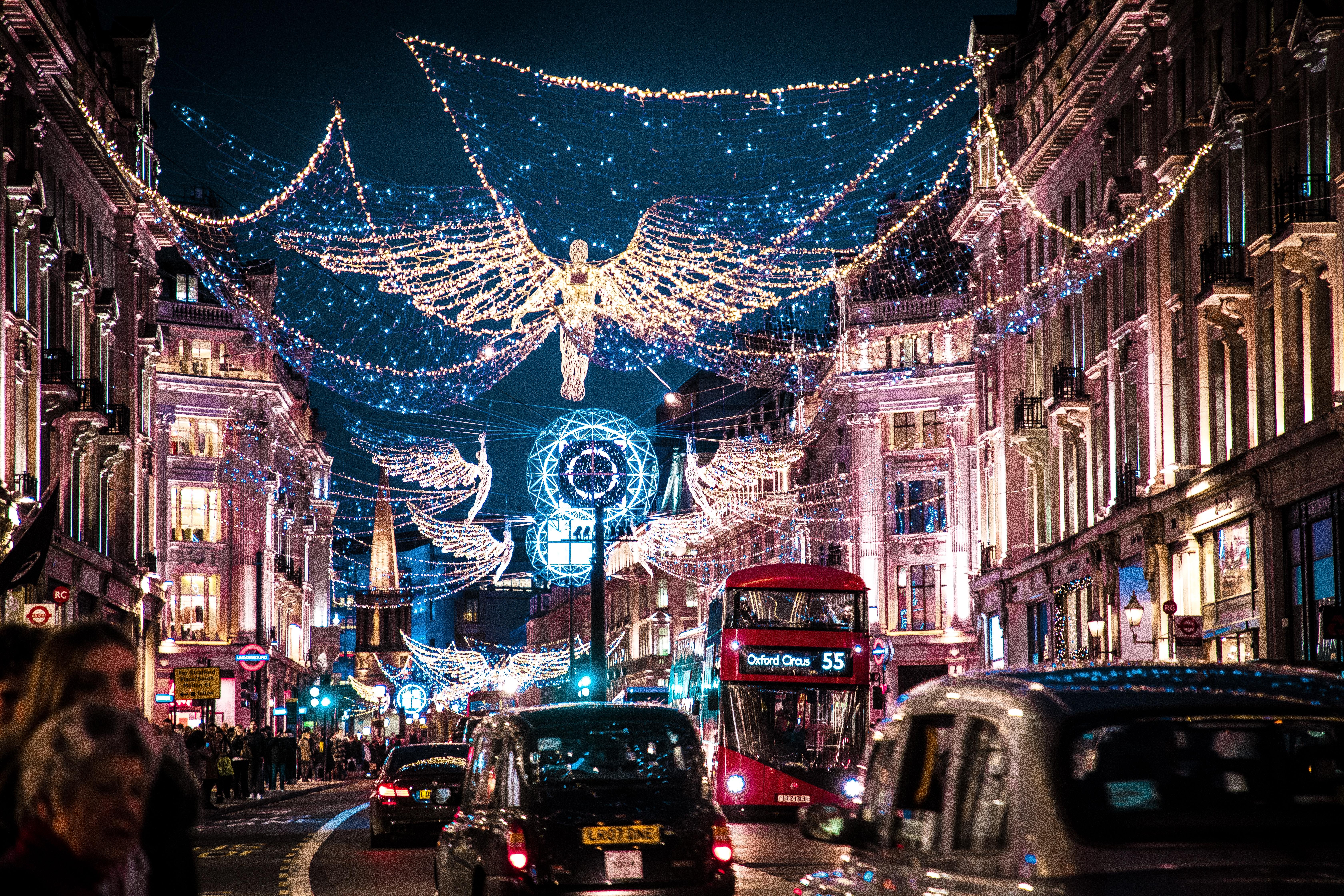 Anche se è una festa mondana, il Natale aiuta sempre ad avvicinarsi al Vangelo.