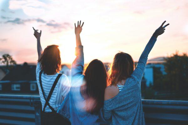 Tre segni distintivi di un'amicizia solida che cresce